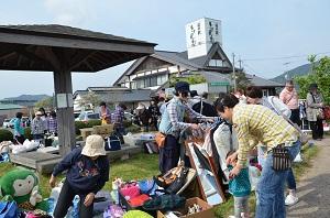 次回フリーマーケットは5月25日(日) 写真