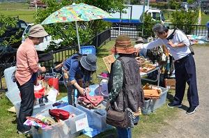 5月31日に第15回フリーマーケットを開催します。 写真